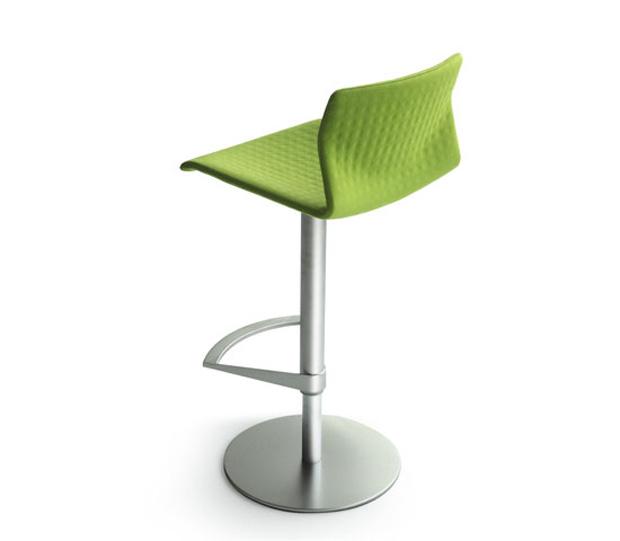 Lapalma kai stool barhocker design shin azumi for Barhocker la palma