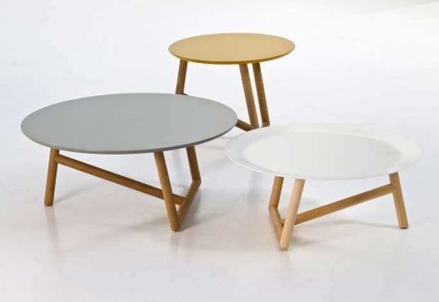 moroso klara couchtische design patricia urquiola. Black Bedroom Furniture Sets. Home Design Ideas