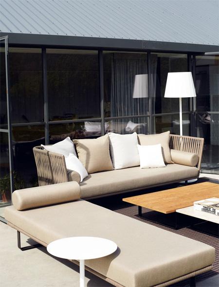 Kettal sofa bitta design rodolfo dordoni for Designer couchtisch maia