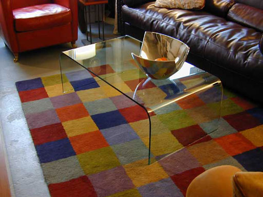 Dieser Tisch Ist Jedoch Aus Kristall Glas Gefertigt Und Zeigt Den Charakteristischen Grnschimmer Er Ein Bekannter DESIGNKLASSIKER Von