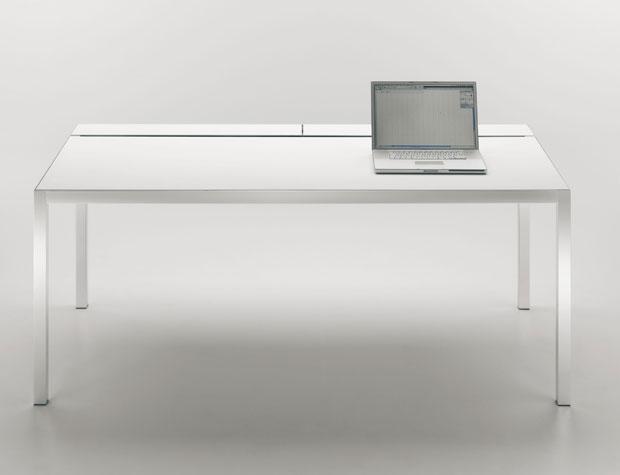 mdf italia tisch desk. Black Bedroom Furniture Sets. Home Design Ideas