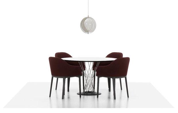 VITRA SOFTSHELL CHAIR Design Ronan and Erwan Bouroullec 2008 : softshellchair3 from www.designathome.de size 620 x 394 jpeg 16kB