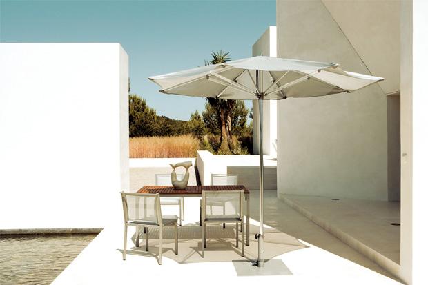 Kettal via stuhl design kettal studio for Designer couchtisch maia