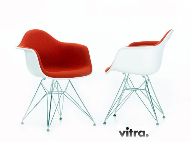 vitra eames plastic armchair charles ray eames 1950. Black Bedroom Furniture Sets. Home Design Ideas