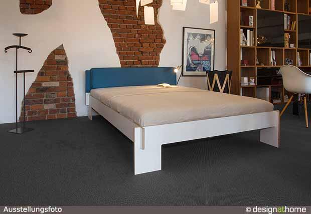 nils holger moormann bett siebenschl fer design. Black Bedroom Furniture Sets. Home Design Ideas