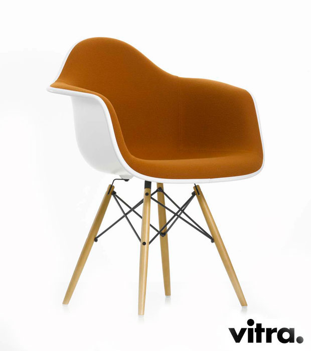 vitra eames plastic armchair daw charles ray eames 1950. Black Bedroom Furniture Sets. Home Design Ideas