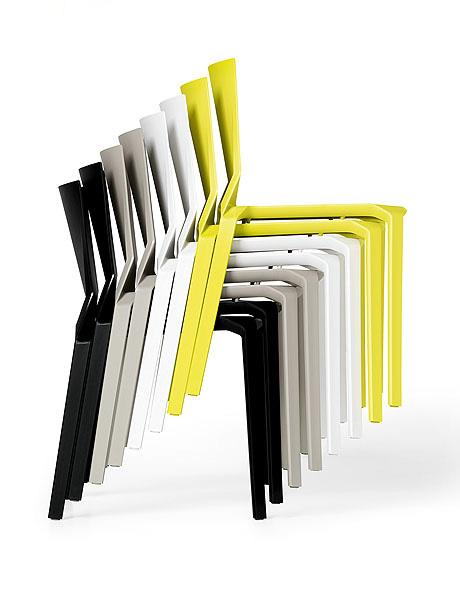Kristalia plana stapelstuhl design lucidipevere for Chaise 5013