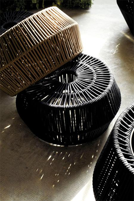 Kettal zigzag pouf design emiliana design studio for Designer couchtisch maia