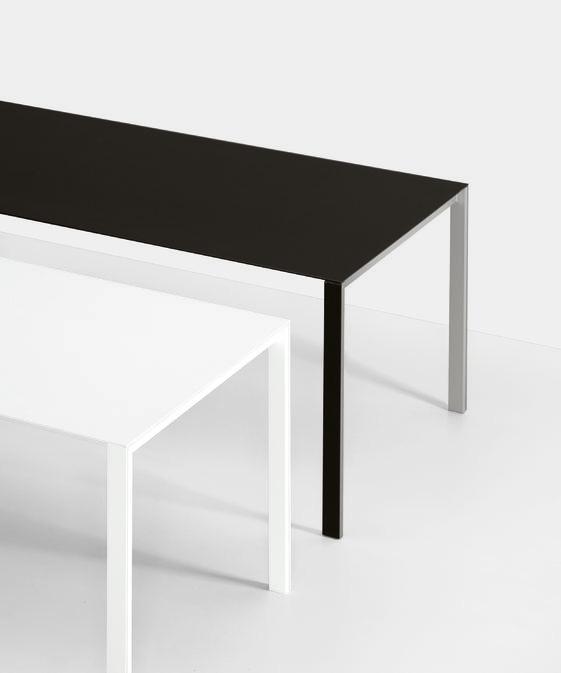 Kristalia thin k tisch design luciano bertoncini for Tisch graphic design
