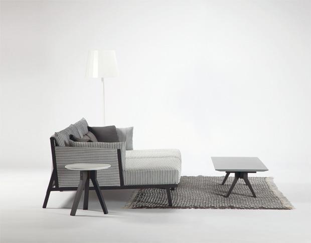 Kettal sofa vieques design patricia urquiola for Designer couchtisch maia