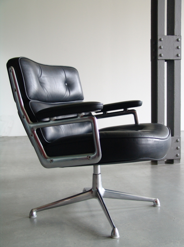 vitra lobby chair es 105 design charles ray eames 1960. Black Bedroom Furniture Sets. Home Design Ideas