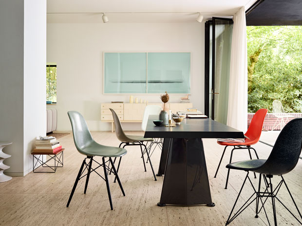 Eames-Fiberglass-Chairs-Trapze-Wire-Chair-Occasional-Table-LTR_620.jpg